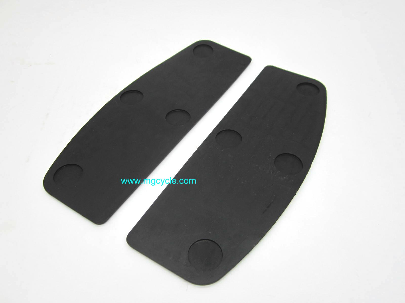 Floorboard rubber mat, pair, flat version GU13447040