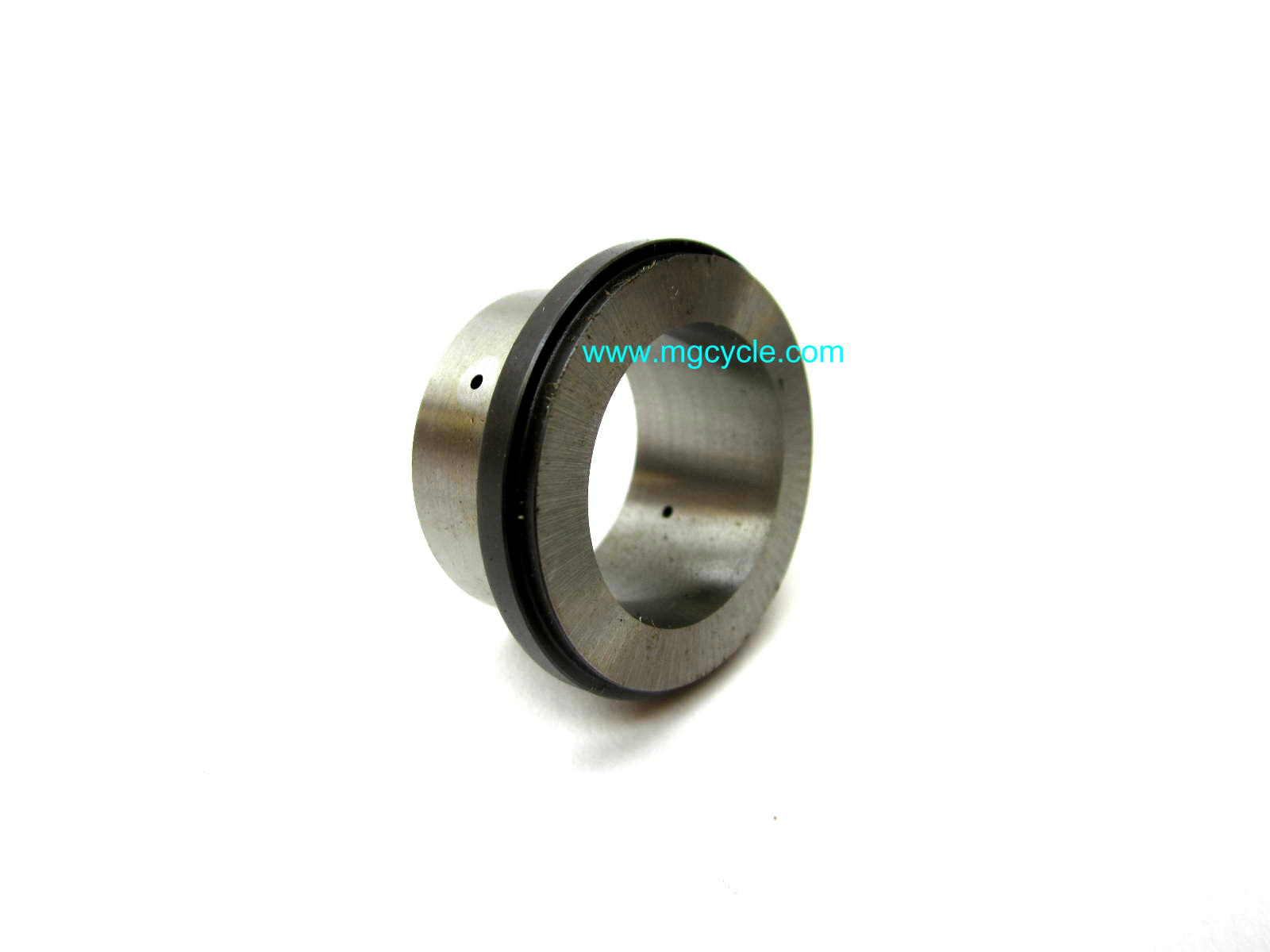 Inner bearing race bushing for main shaft needle bearings