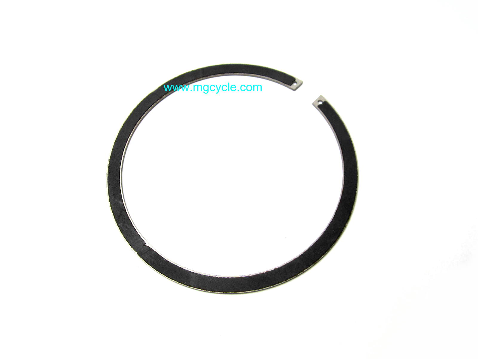 Cush drive plate snap ring with friction lining