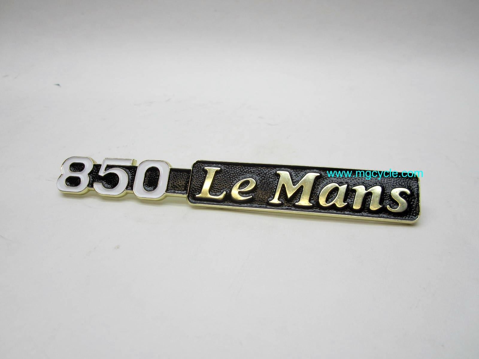 "Badge, ""850 LeMans"" for LM I/II/III side covers GU14922000"