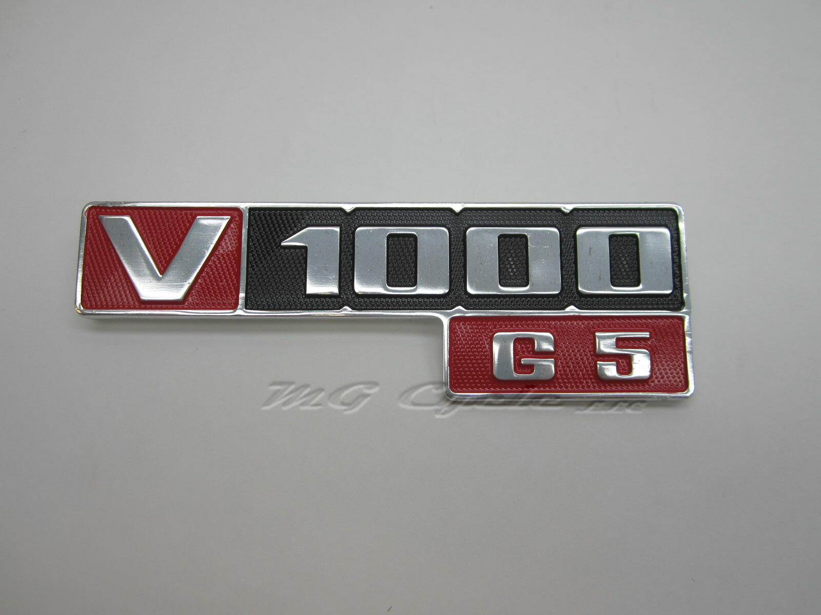 Side cover emblem, V1000 G5 GU18922001