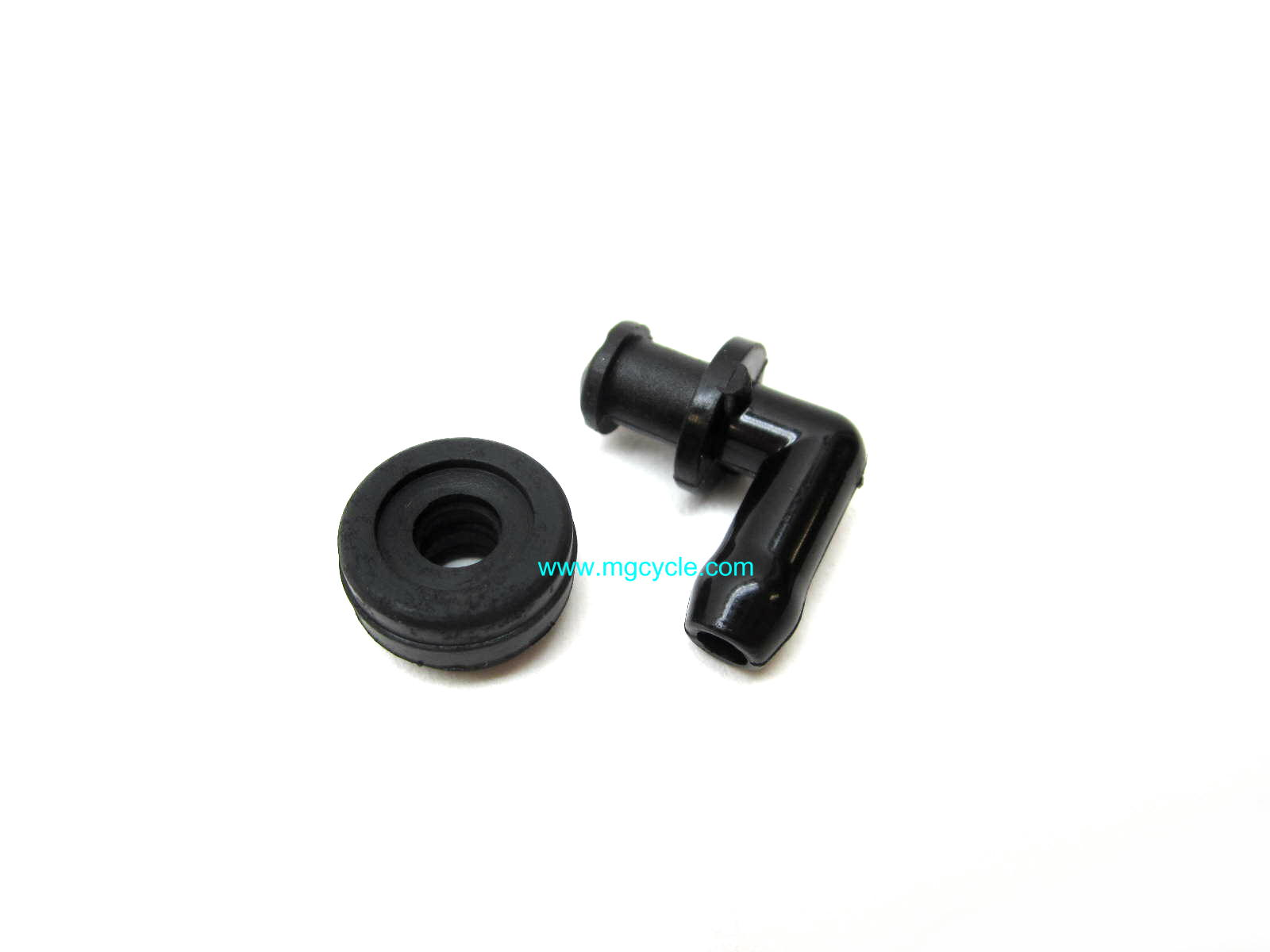 brake fluid elbow and seal for remote reservoir master cylinders