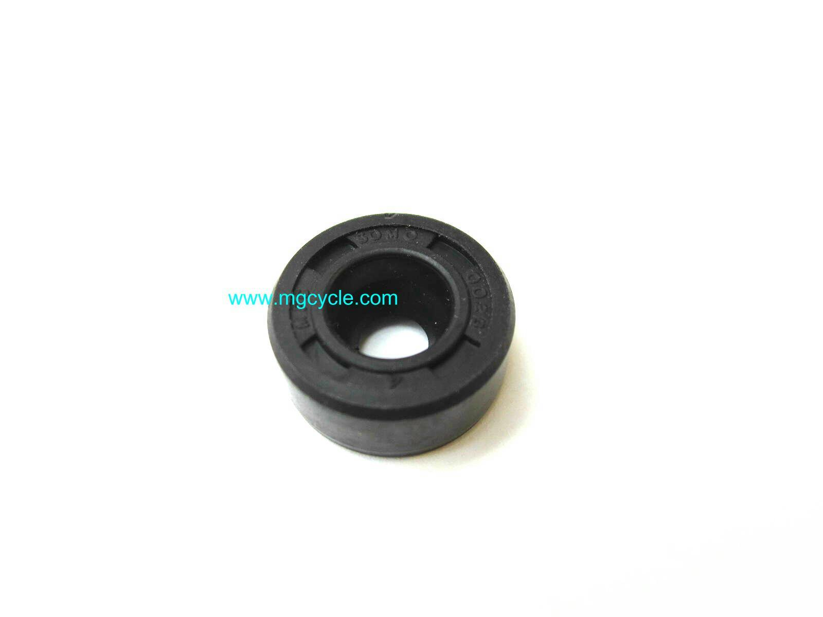 clutch push rod seal, V50 V7 Classic V7 Racer V7 Stone etc