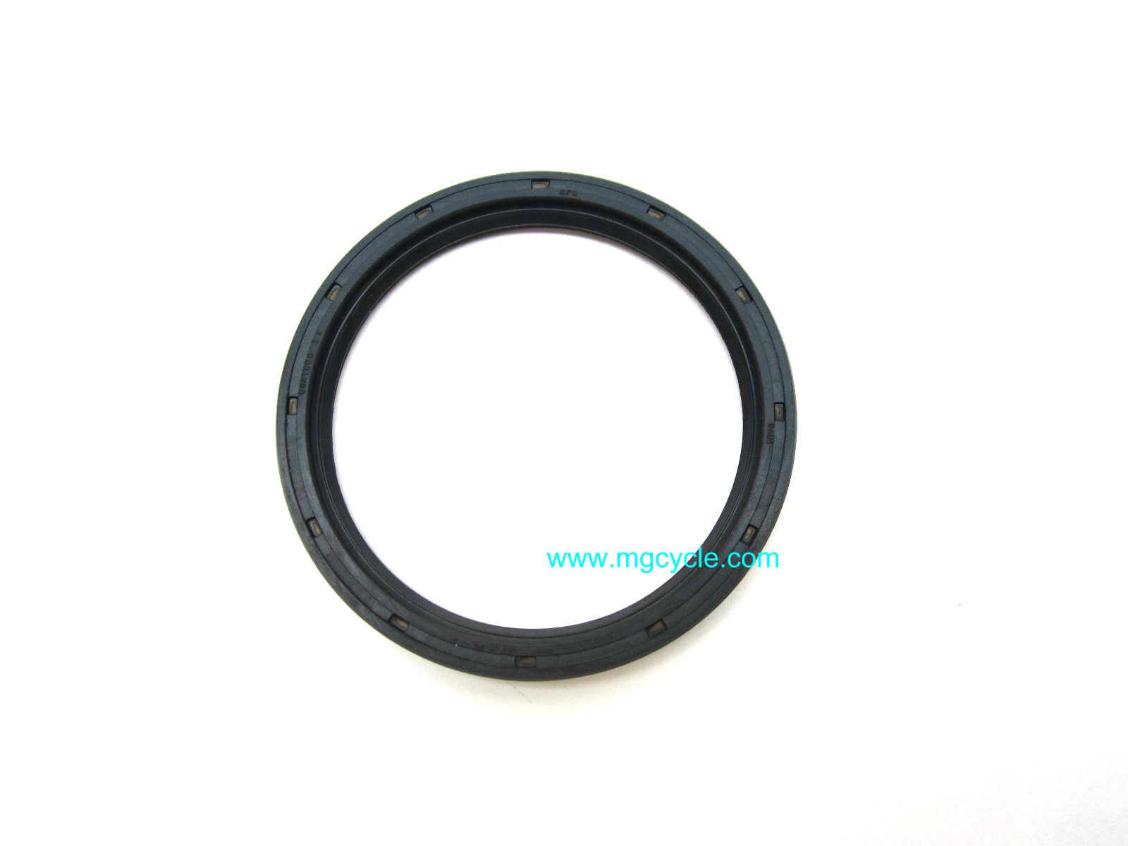 large outer rear drive seal small twins V50 V65, early Breva 750