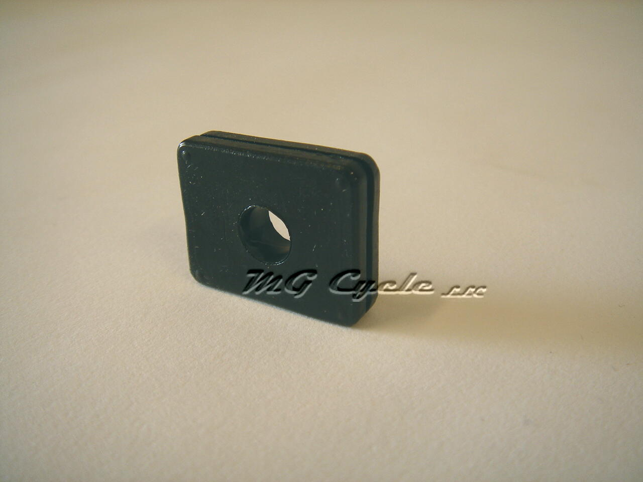 rectangular rubber fender grommet, V11 California models