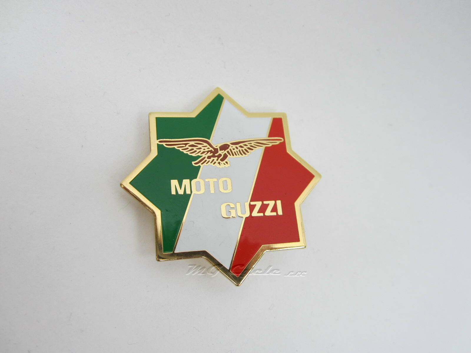 lapel pin, star, green white red