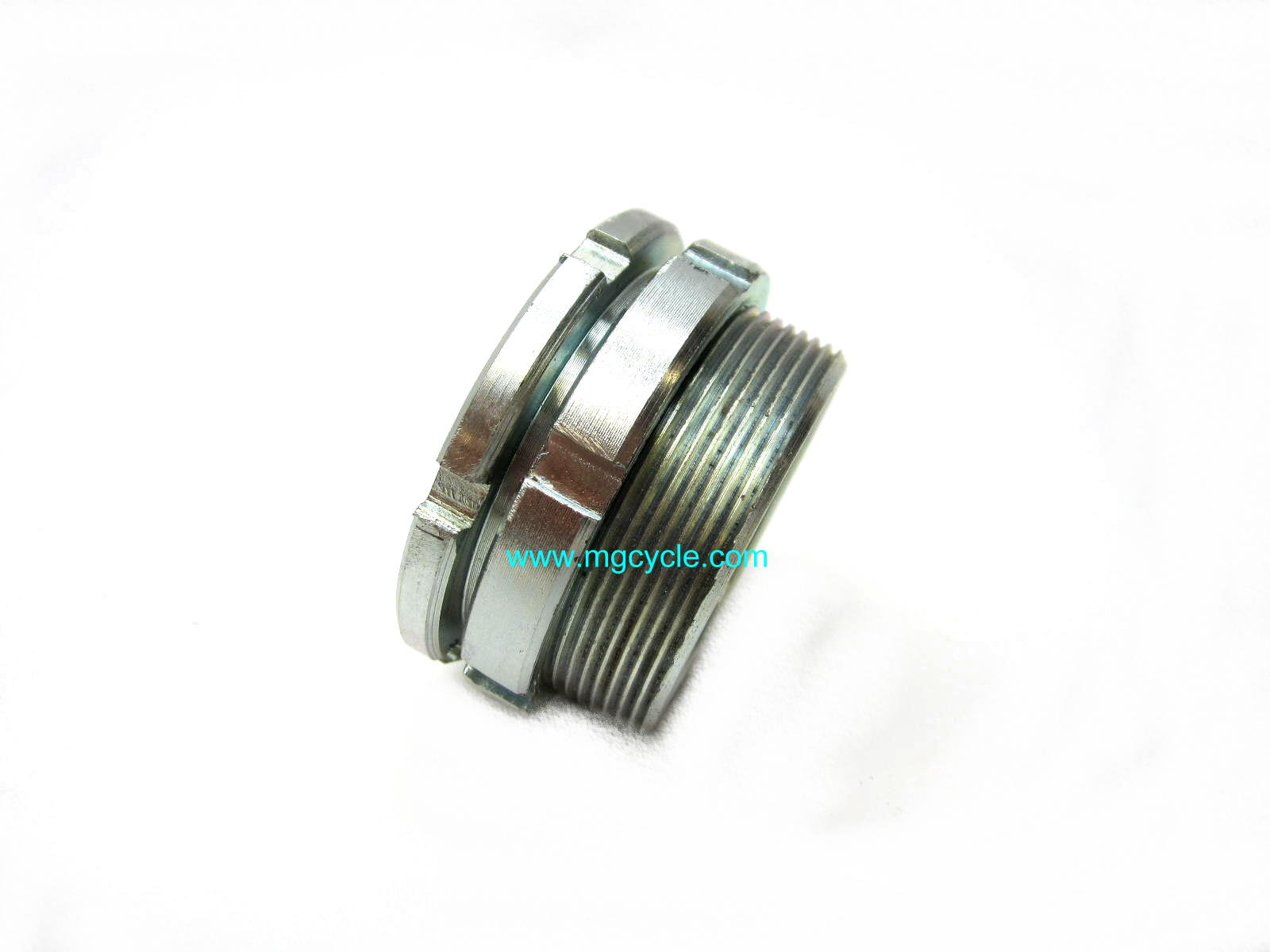 Exhaust nut with lock ring: Eldorado, Ambassador, V700, V7 Sport