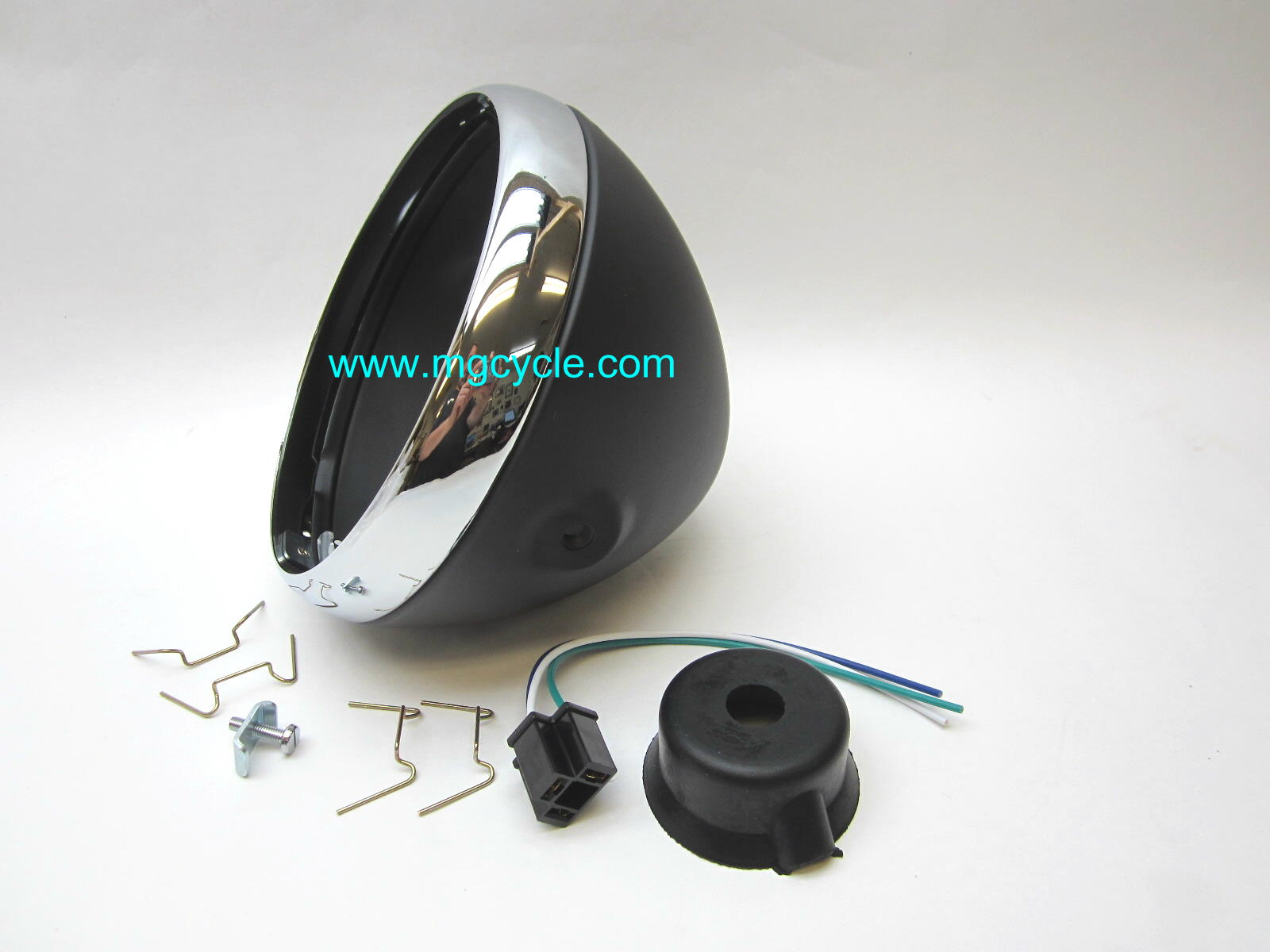 "7"" headlight bucket kit, classic black"