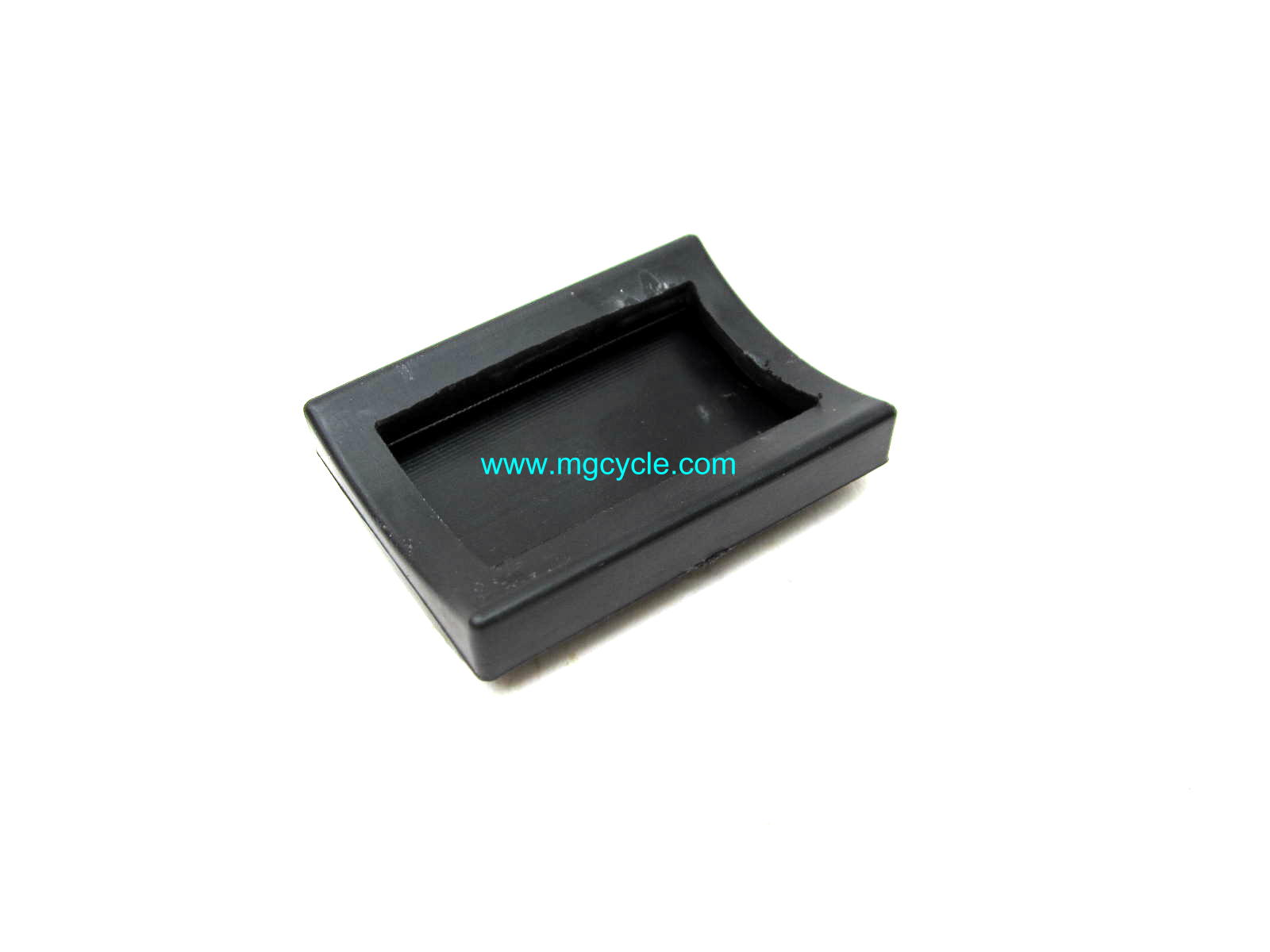 Square brake pedal rubber, most floorboard models GU43262180